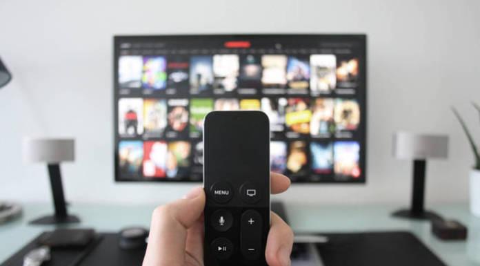 Gdzie oglądać telewizję online? Darmowe i płatne platformy
